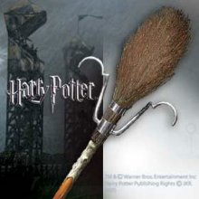 Harry Potter Replica 1/1 Firebolt Broom