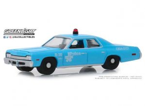 Hot Pursuit kovový model 1/64 1974 Dodge Monaco Montreal Canada