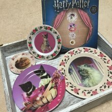 Harry Potter sada talířů 4-Pack Umbridge Lootcrate Exclusive
