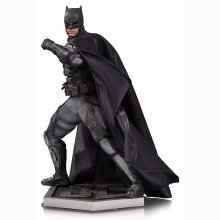 Justice League Movie soška Tactical Suit Batman 33 cm