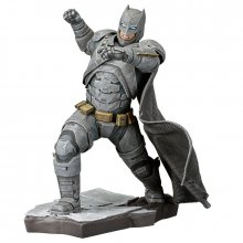 Soška Batman v Superman ARTFX+ 1/10 Batman 21 cm
