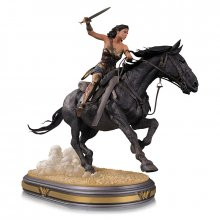 Wonder Woman Movie Deluxe soška Wonder Woman on Horseback 45 cm