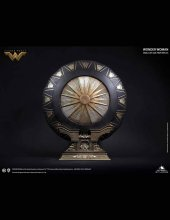 Wonder Woman Life-Size Replica Wonder Woman Shield Special Editi