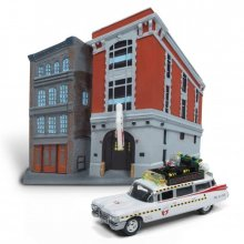 Ghostbusters kovový model 1/64 1959 Cadillac Ecto-1 & Firehouse