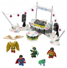 The LEGO® Batman Movie™ The Justice League™ Anniversary Party