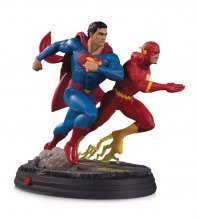 DC Gallery Socha Superman vs The Flash Racing 2nd Edition 26 cm