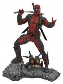 Marvel Premier Collection Socha Deadpool 30 cm