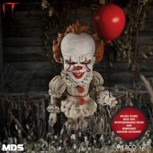 Stephen Kings It 2017 MDS Deluxe Akční figurka Pennywise 15 cm