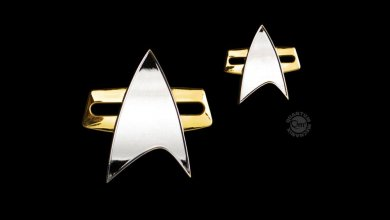 Star Trek: Voyager Enterprise Badge & Pin Set