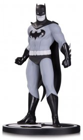 Batman Black & White Socha Batman by Amanda Conner 19 cm
