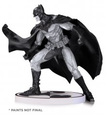 Batman Black & White Socha Lee Bermejo 2nd Edition 17 cm
