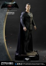 Batman v Superman Dawn of Justice 1/2 Socha Superman Black Suit