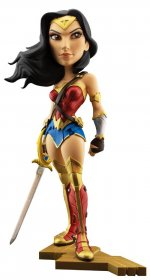 DC Comics Vinylová Figurka Gal Gadot as Wonder Woman 20 cm