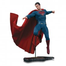 Batman v Superman Dawn of Justice socha Superman 27 cm