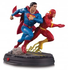DC Gallery Socha Superman vs The Flash Racing 26 cm