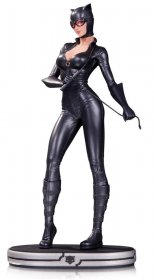 DC Comics Cover Girls Statue Catwoman 24 cm