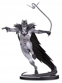 Batman Black & White Socha Batman by Kenneth Rocafort 22 cm