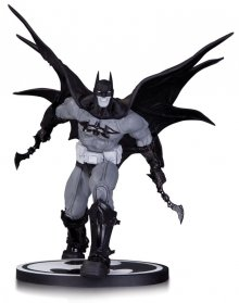 Batman Black & White Socha Batman by Carlos D'Anda 20 cm