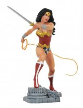 DC Gallery PVC Socha Wonder Woman Lasso Comic 23 cm