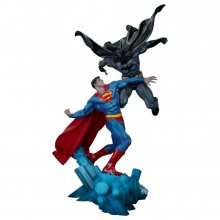 DC Comics Socha Batman vs. Superman 60 cm
