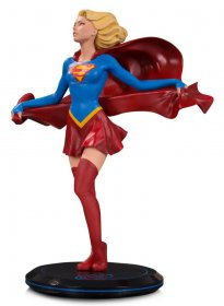 DC Comics Cover Girls Statue Supergirl by Joelle Jones 23 cm